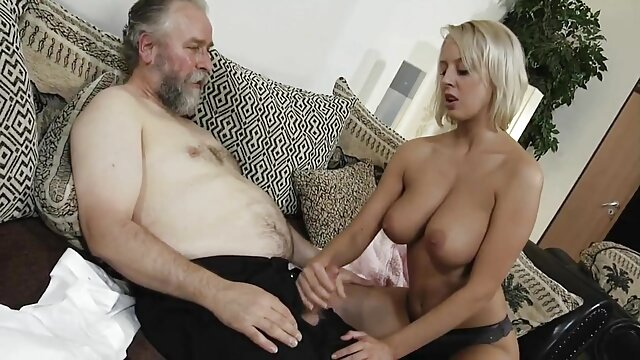 Esposa xxx porn vr follando delante de su marido