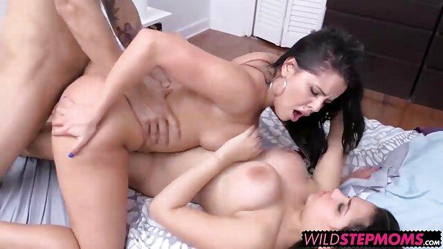 Julya sex 3d xxx (21 años)