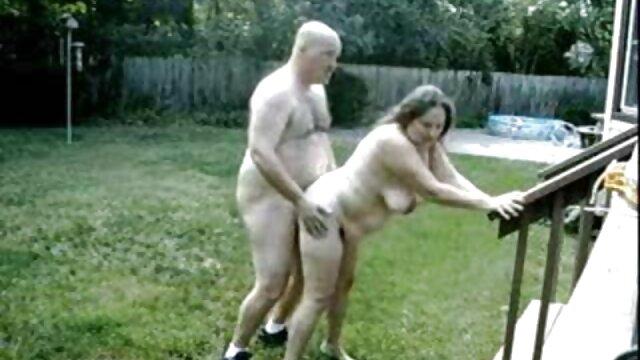 SpermsSwap trío divertido con chicas que intercambian gonzo mom xxx semen
