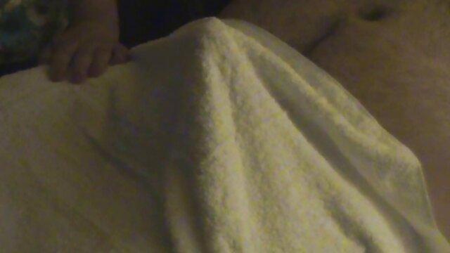 Joven Tracey Sweet hace una mamada con una polla enorme porn gay mobile