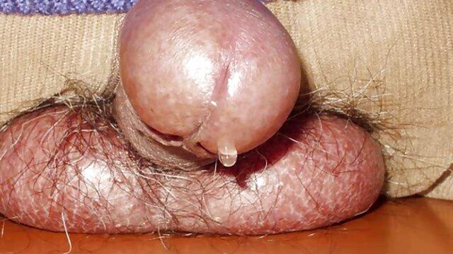Jasmin con pornohub lesbi curvas y tetas grandes follada en la cama